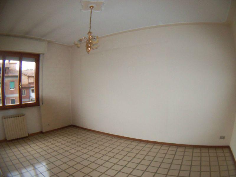 Appartamento in vendita a Perugia, 6 locali, prezzo € 130.000 | Cambio Casa.it