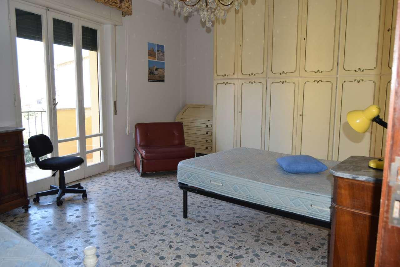 Appartamento in affitto a Perugia, 4 locali, prezzo € 500 | Cambio Casa.it