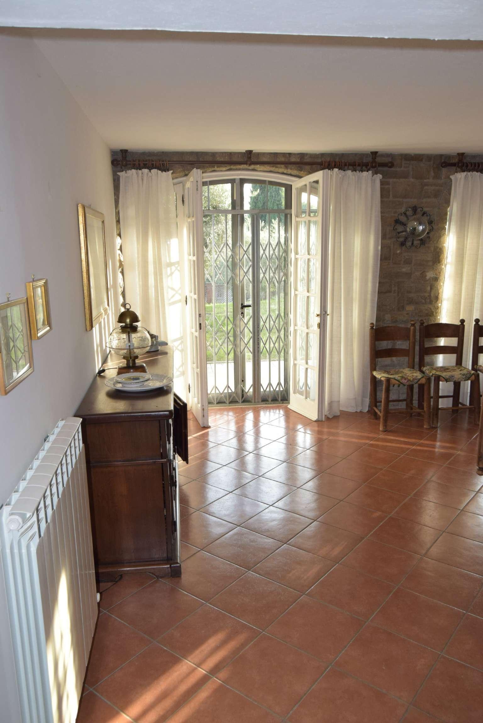 Villa in vendita a Perugia, 15 locali, prezzo € 440.000 | CambioCasa.it