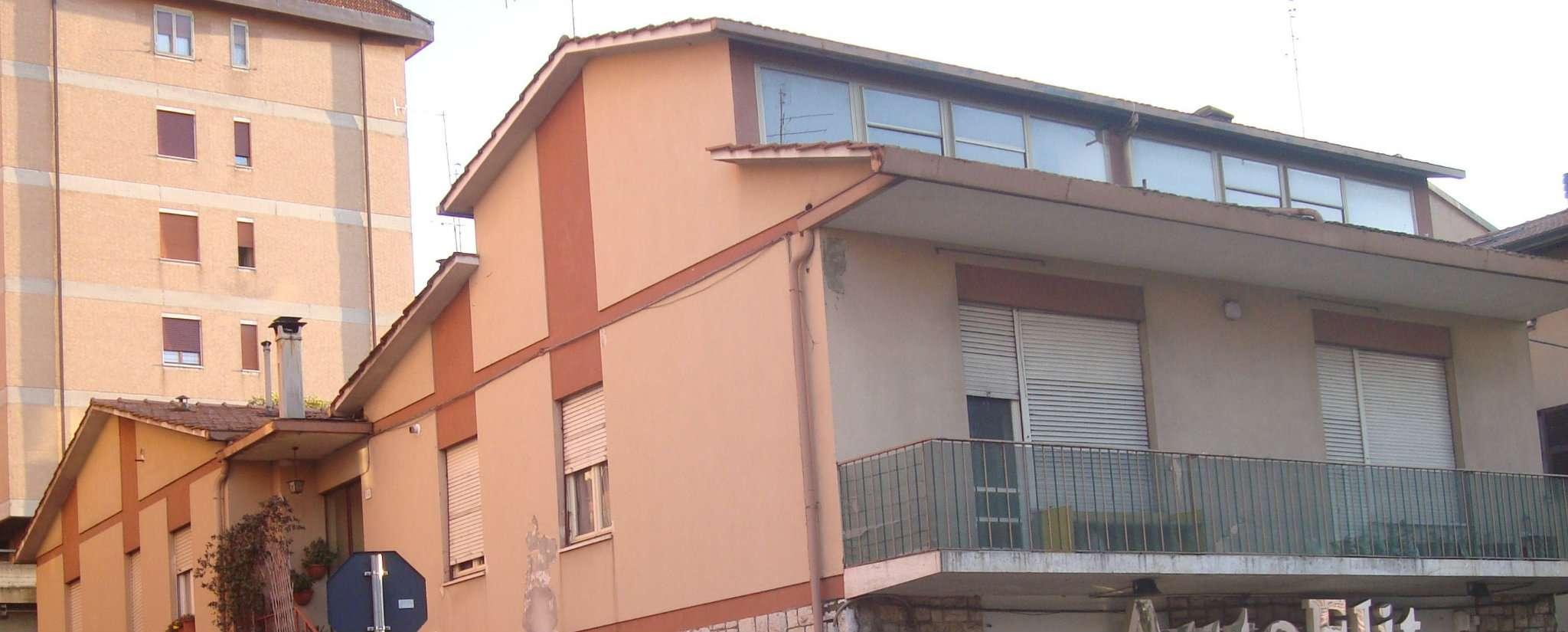Appartamento in vendita a Perugia, 9 locali, prezzo € 129.000   CambioCasa.it