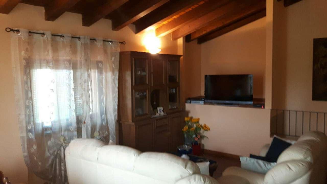 Appartamento in vendita a Gragnano Trebbiense, 3 locali, prezzo € 138.000 | CambioCasa.it