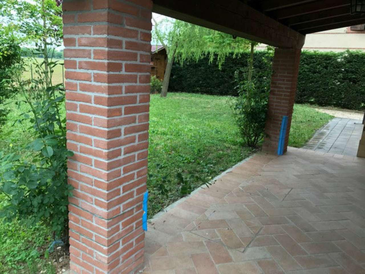 Villa in vendita a Vigolzone, 5 locali, prezzo € 400.000   CambioCasa.it