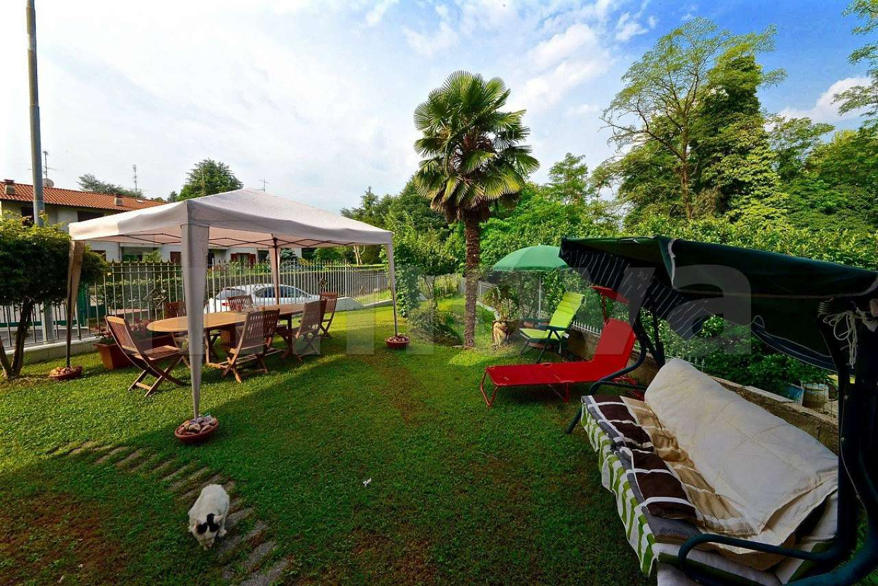 Villa in vendita a Seveso, 4 locali, prezzo € 370.000 | CambioCasa.it