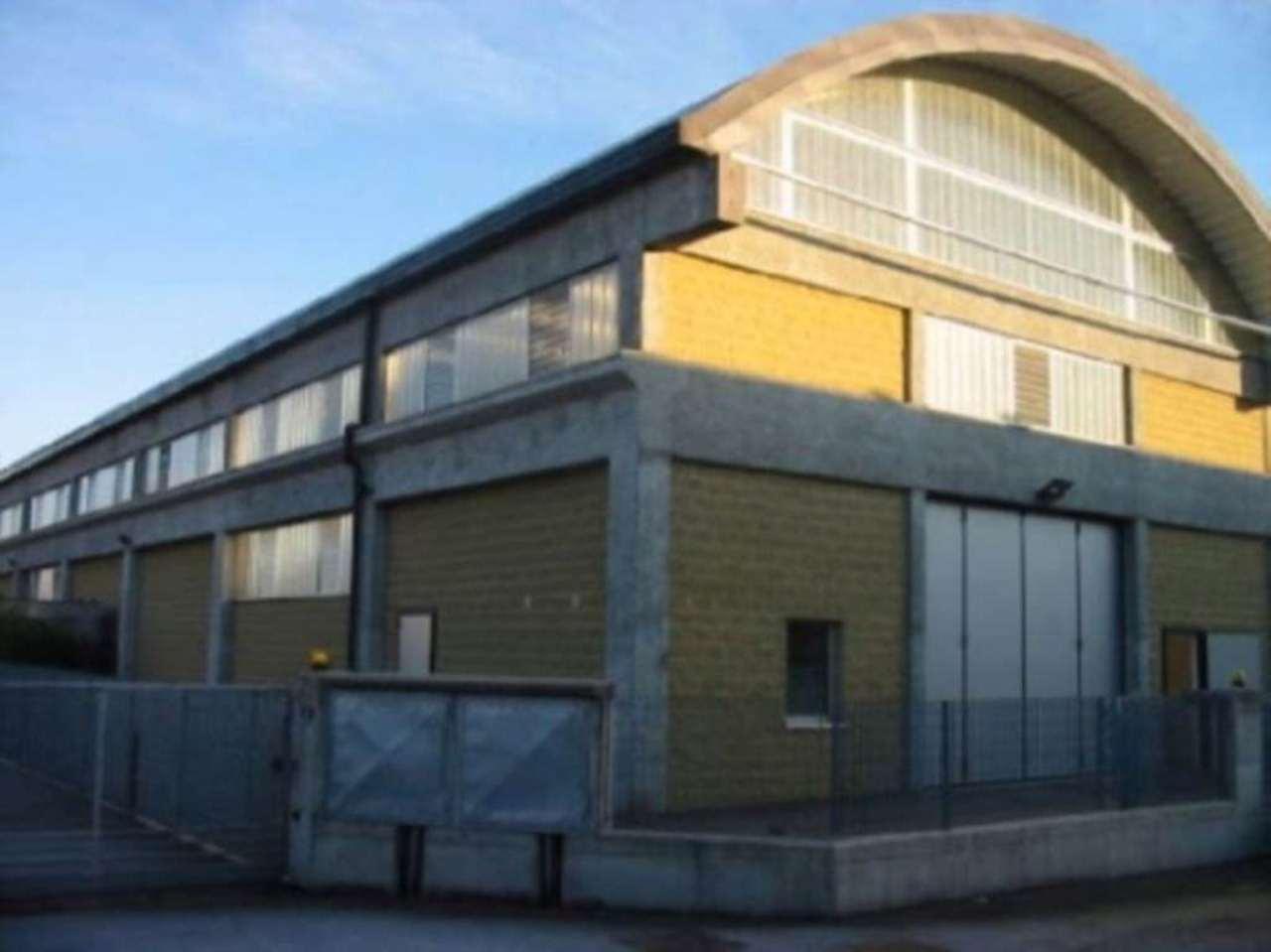 Capannone in vendita a Lazzate, 1 locali, prezzo € 290.000 | Cambio Casa.it