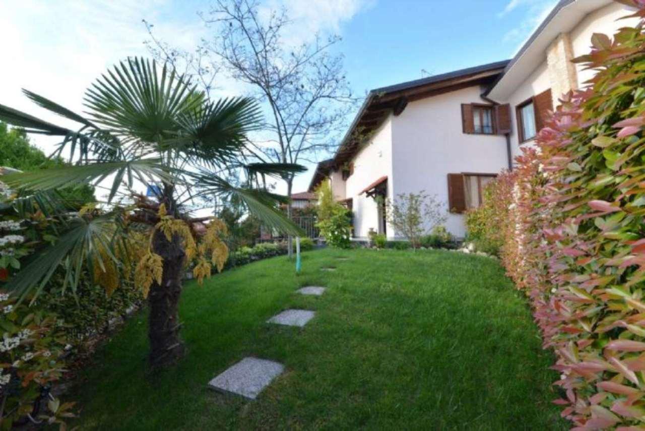 Villa a Schiera in vendita a Lazzate, 3 locali, prezzo € 245.000 | CambioCasa.it