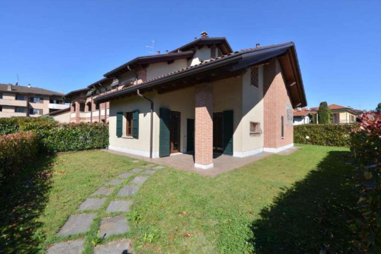 Villa in vendita a Lentate sul Seveso, 4 locali, prezzo € 390.000 | CambioCasa.it
