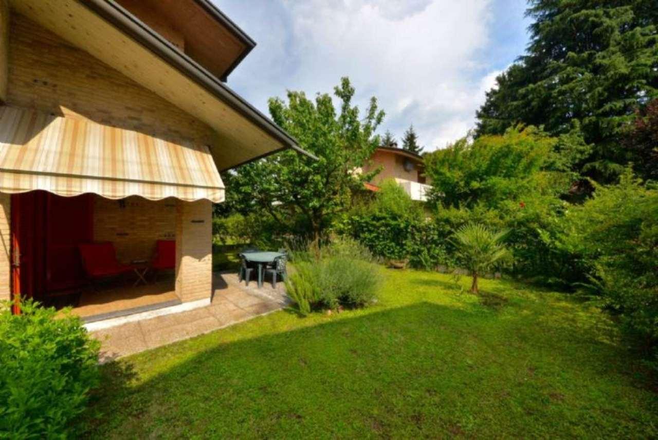 Villa in vendita a Barlassina, 4 locali, prezzo € 375.000   CambioCasa.it