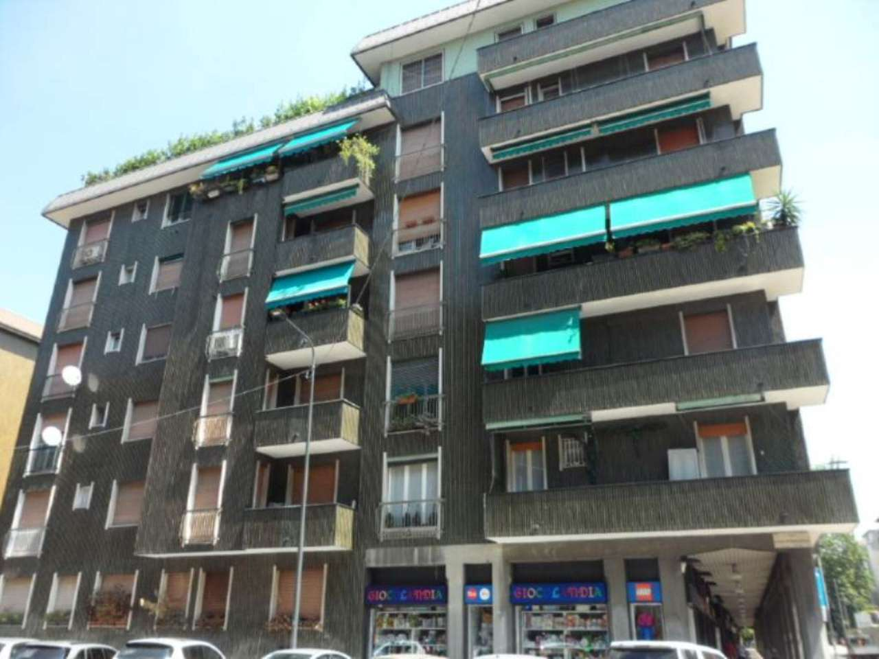 Bilocale Milano Via Lorenteggio 1