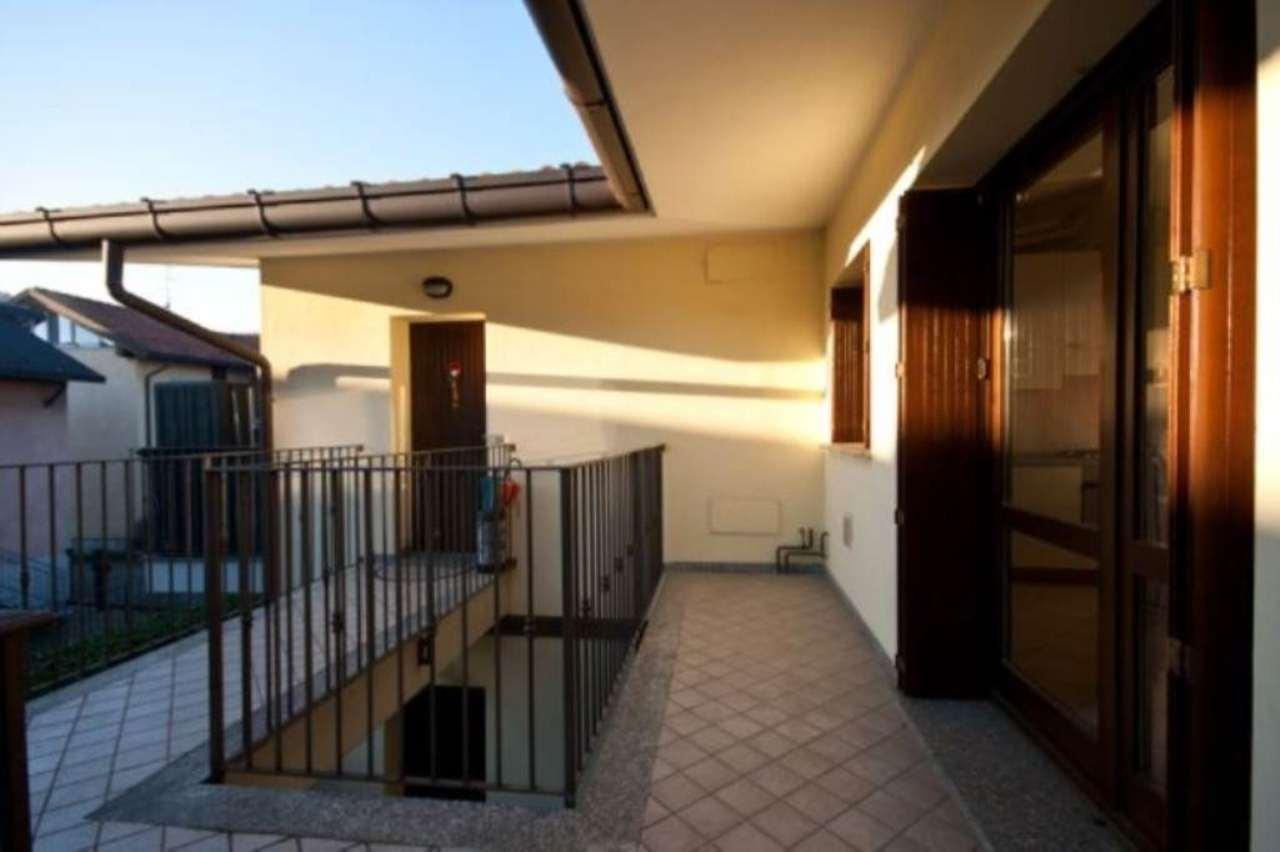 Bilocale Barlassina Via Alessandro Manzoni 3
