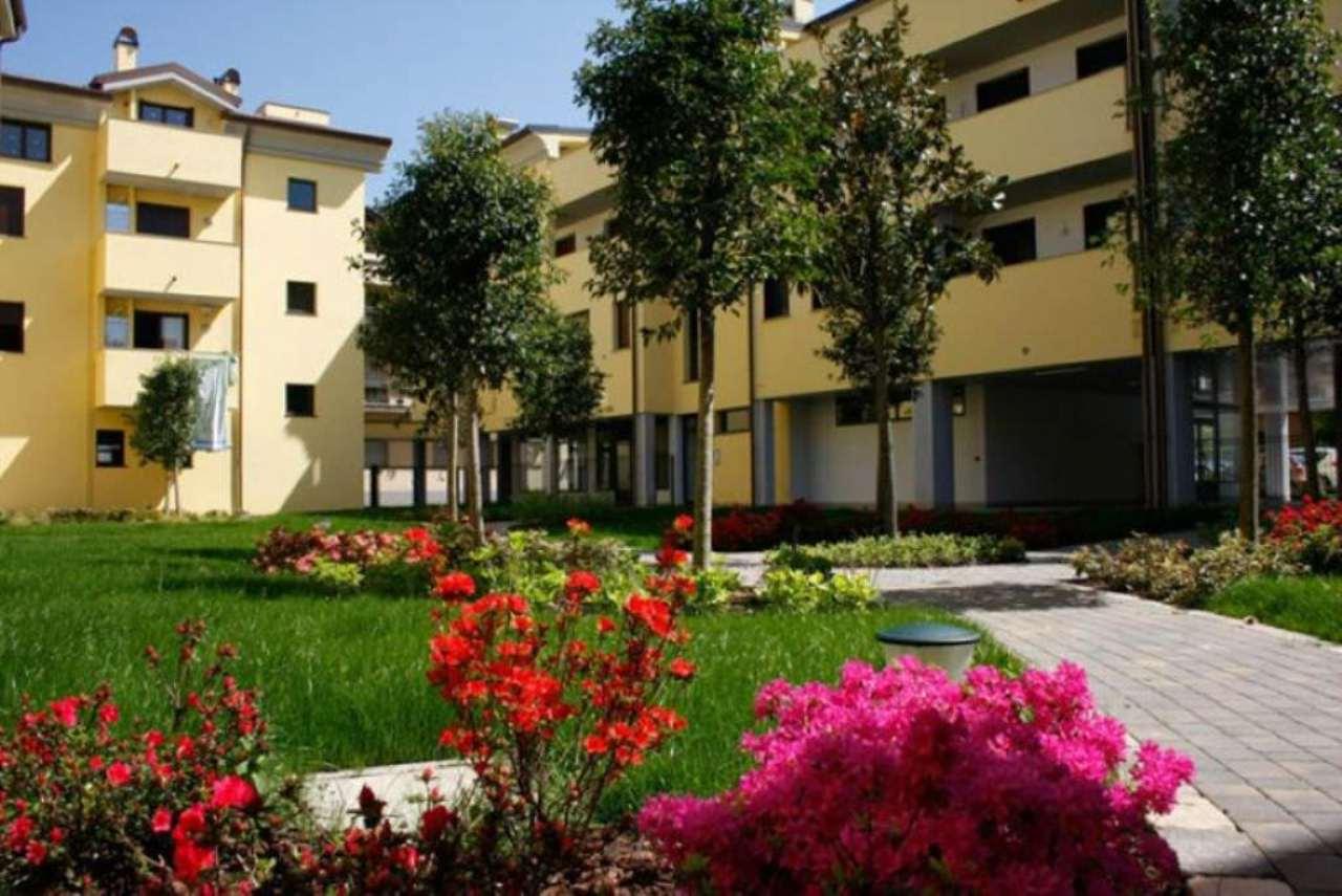 Bilocale Meda Via Giotto 1