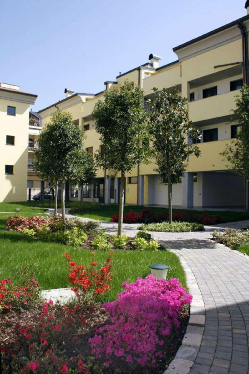 Bilocale Meda Via Giotto 2