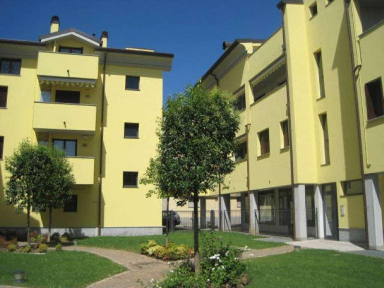 Bilocale Meda Via Giotto 5