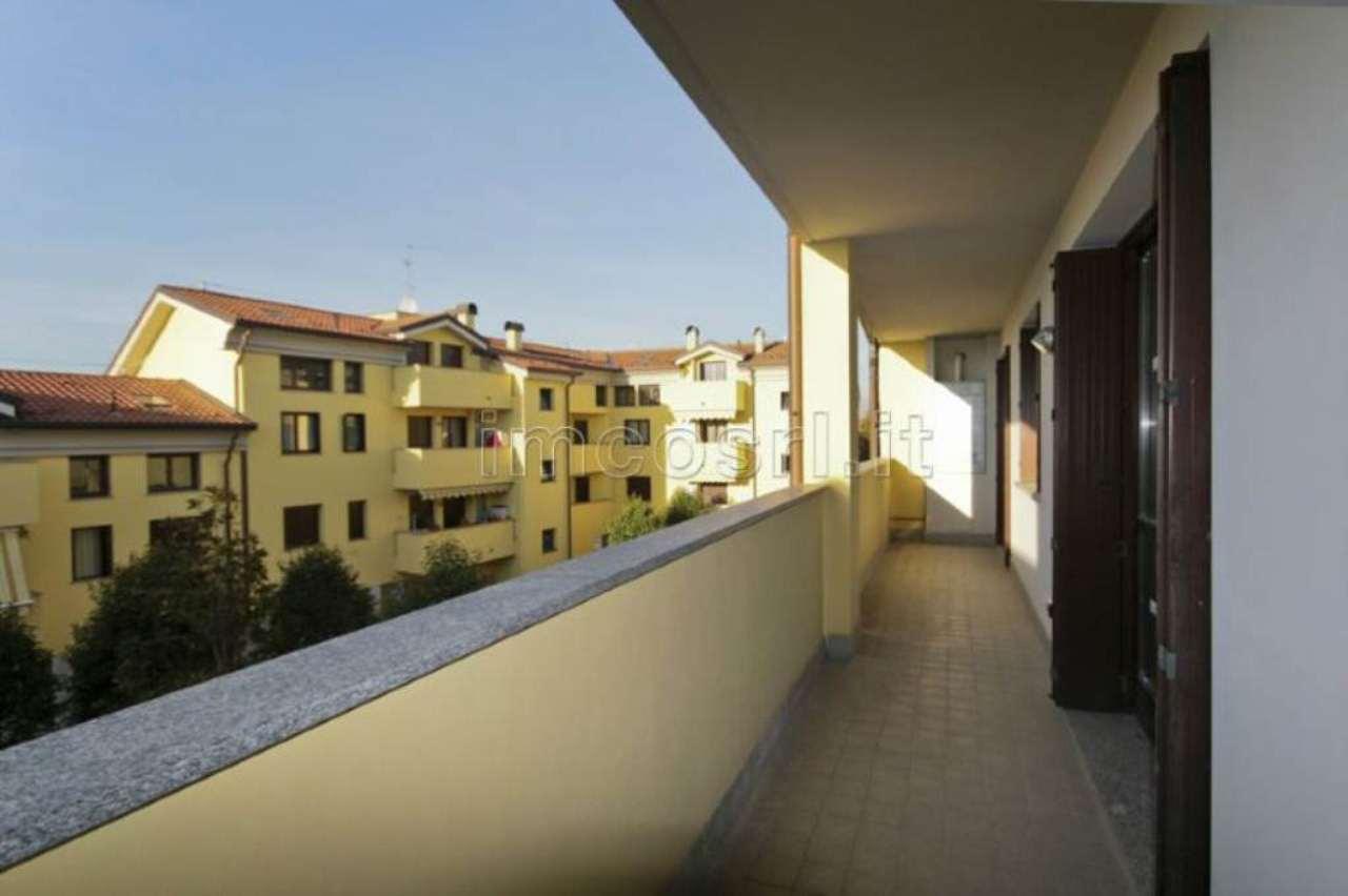 Bilocale Meda Via Giotto 11