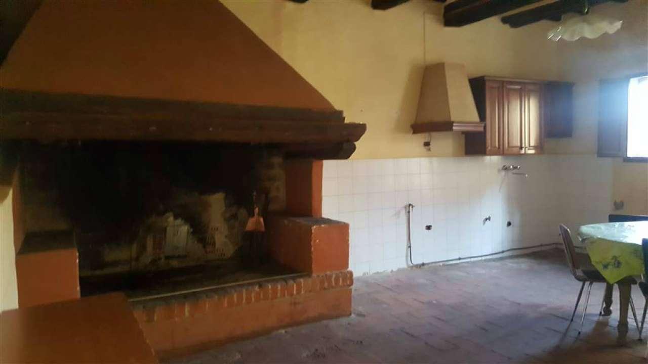 Soluzione Indipendente in affitto a Rignano sull'Arno, 6 locali, prezzo € 500 | CambioCasa.it