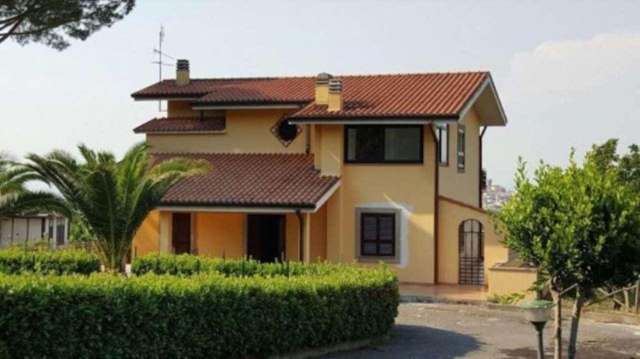 Villa in affitto a Monte Compatri, 6 locali, prezzo € 1.850 | Cambio Casa.it