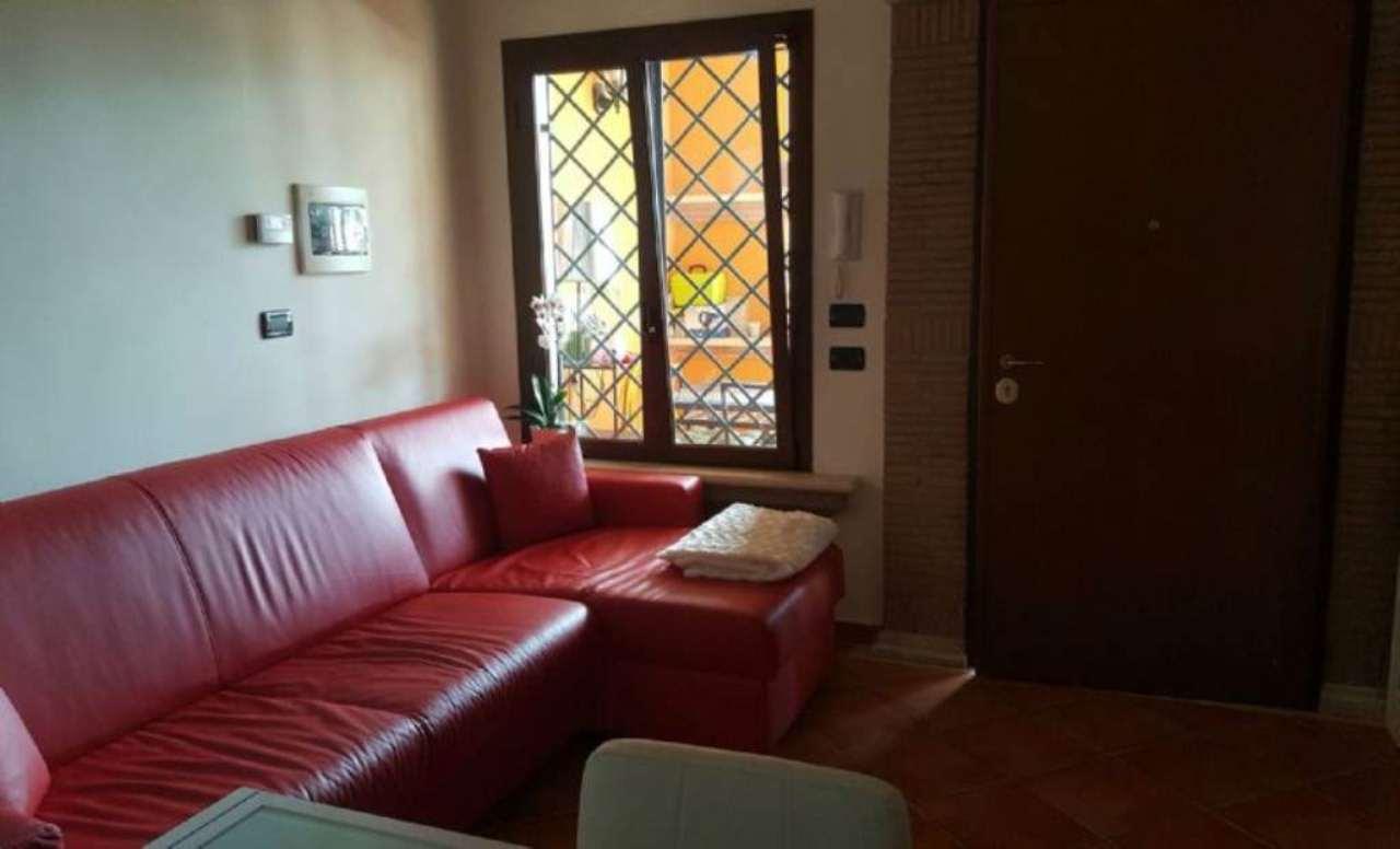 Bilocale Pomezia Via Melfa 11