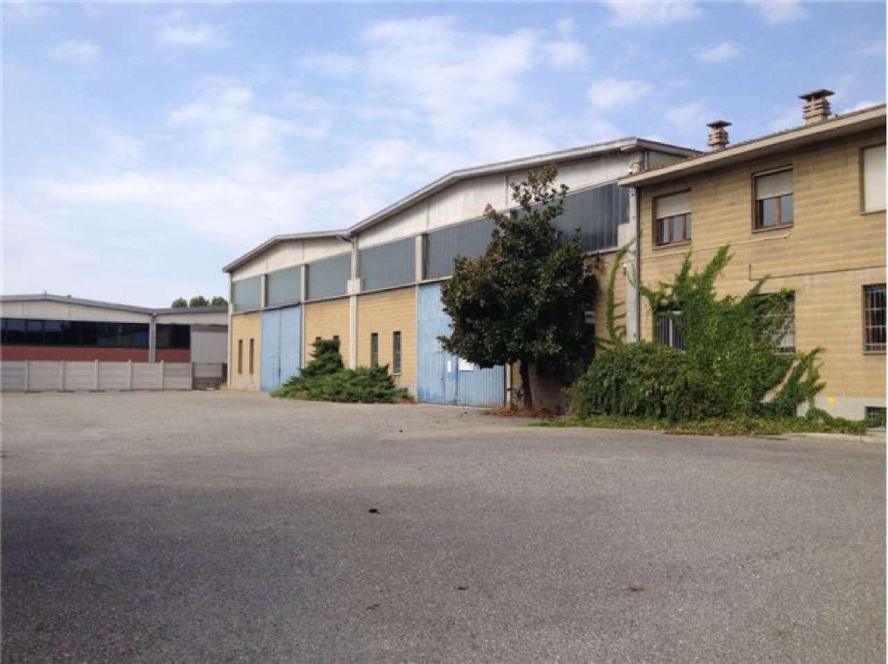 Capannone in vendita a Piacenza, 9999 locali, prezzo € 2.210.000 | CambioCasa.it