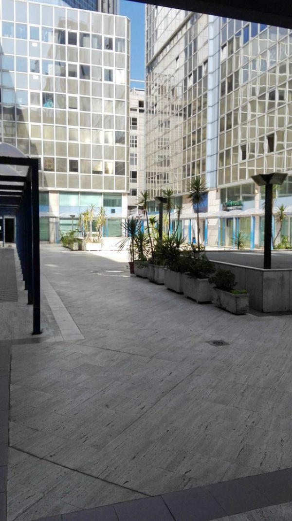 Ufficio / Studio in vendita a Napoli, 3 locali, zona Zona: 4 . San Lorenzo, Vicaria, Poggioreale, Zona Industriale, Centro Direzionale, prezzo € 125.000 | Cambio Casa.it