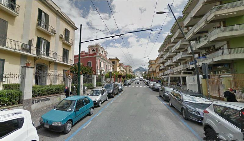 Appartamento in affitto a Portici, 6 locali, prezzo € 1.200 | Cambio Casa.it