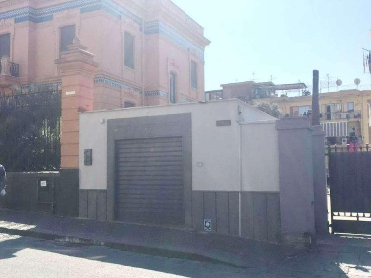 Negozio / Locale in affitto a Portici, 1 locali, prezzo € 550 | Cambio Casa.it