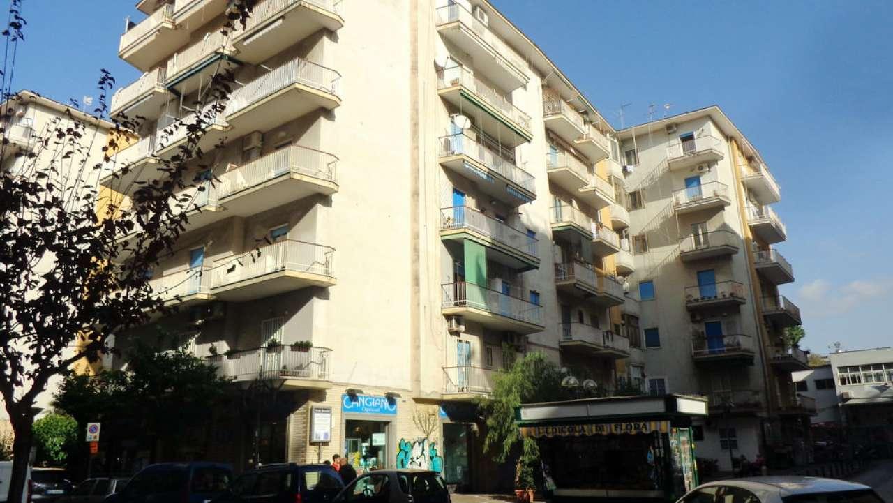 Ufficio / Studio in affitto a Portici, 4 locali, prezzo € 750   Cambio Casa.it