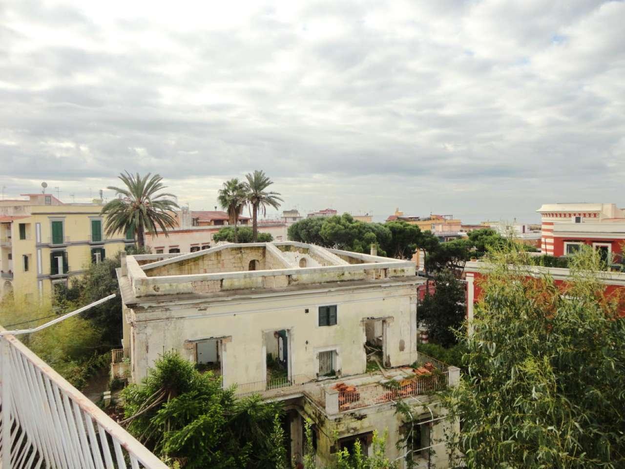 Appartamento in affitto a Portici, 2 locali, prezzo € 590 | Cambio Casa.it