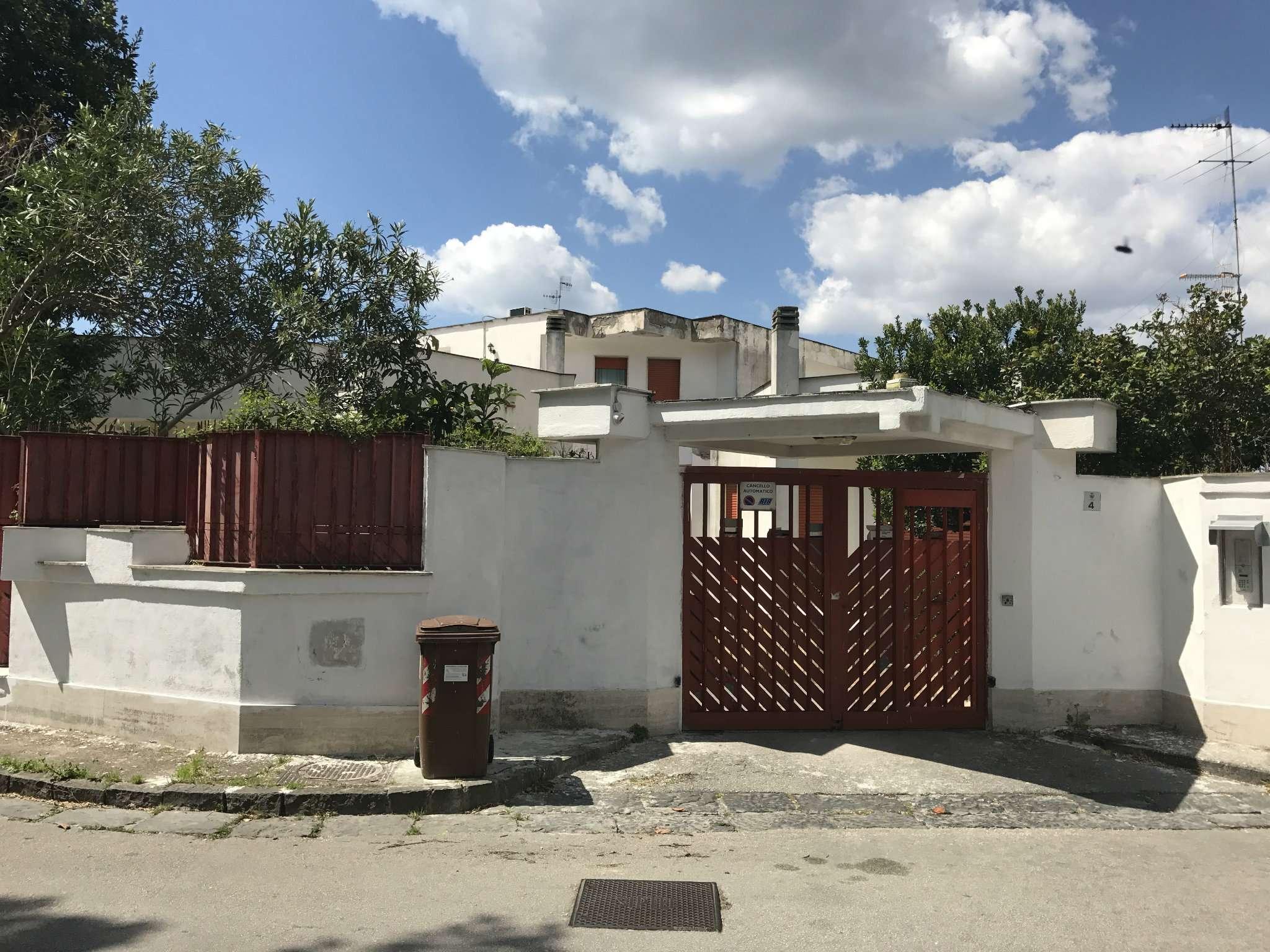 Villa in vendita a San Giorgio a Cremano, 9 locali, prezzo € 650.000 | Cambio Casa.it