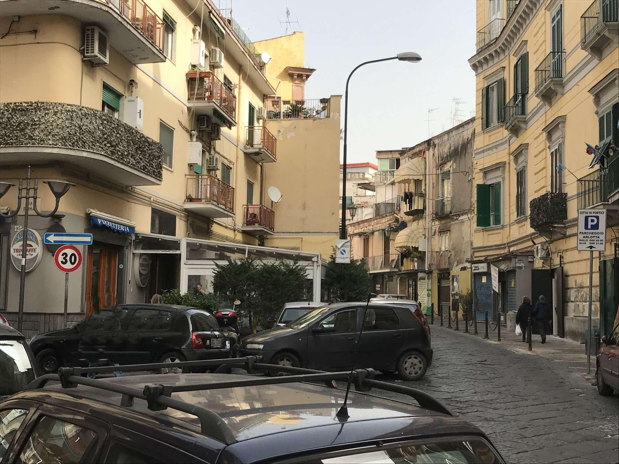 Negozio / Locale in vendita a Portici, 2 locali, prezzo € 115.000 | Cambio Casa.it