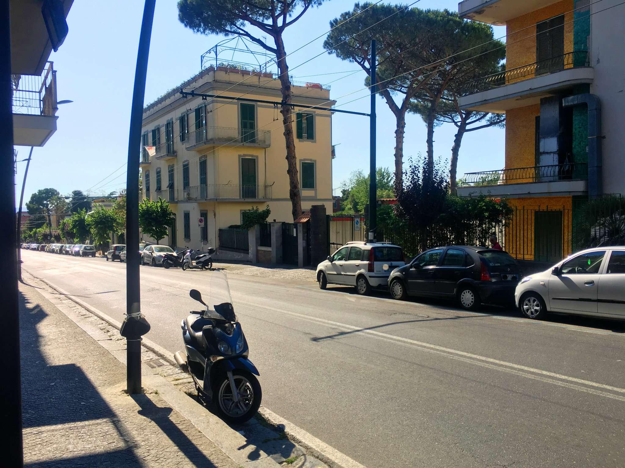 Negozio / Locale in Affitto a Portici