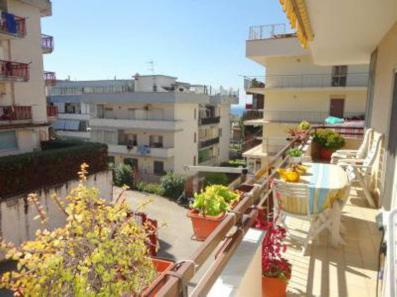 Appartamento in vendita a Ercolano, 3 locali, prezzo € 215.000 | CambioCasa.it