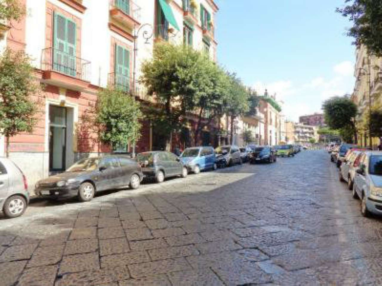 Negozio / Locale in affitto a Portici, 4 locali, prezzo € 1.150 | CambioCasa.it
