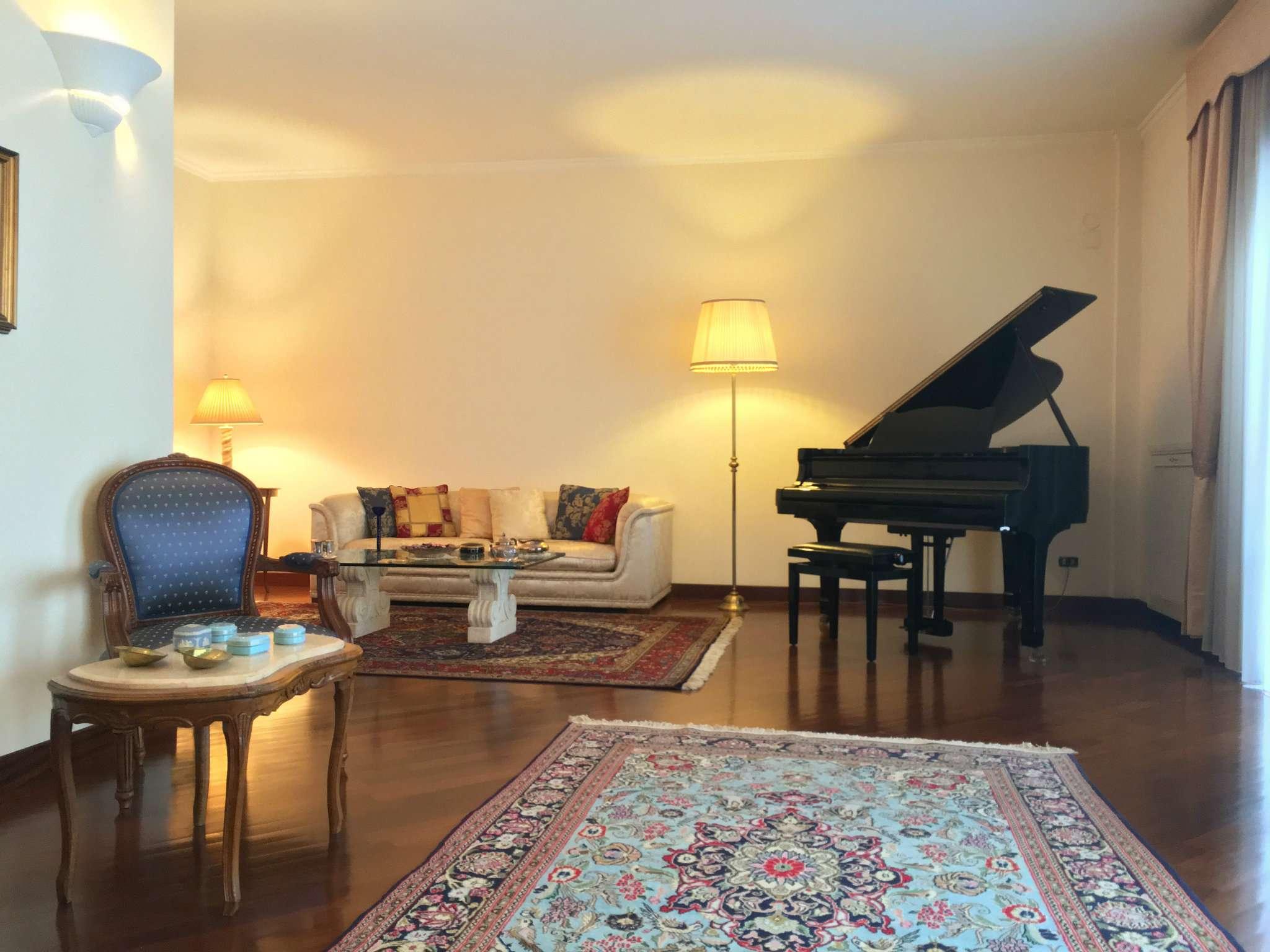 Villa in vendita a San Sebastiano al Vesuvio, 8 locali, prezzo € 650.000 | CambioCasa.it