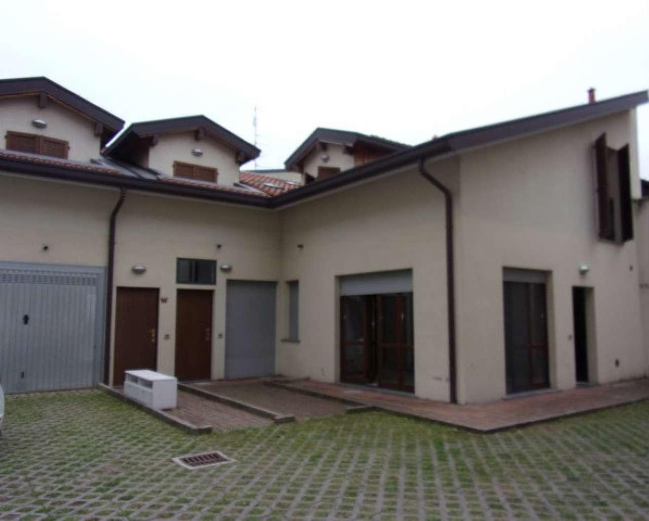 Soluzione Indipendente in vendita a Seregno, 3 locali, prezzo € 215.000 | CambioCasa.it