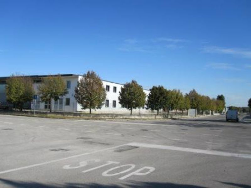 Capannone in vendita a Pasiano di Pordenone, 7 locali, prezzo € 926.000 | Cambio Casa.it