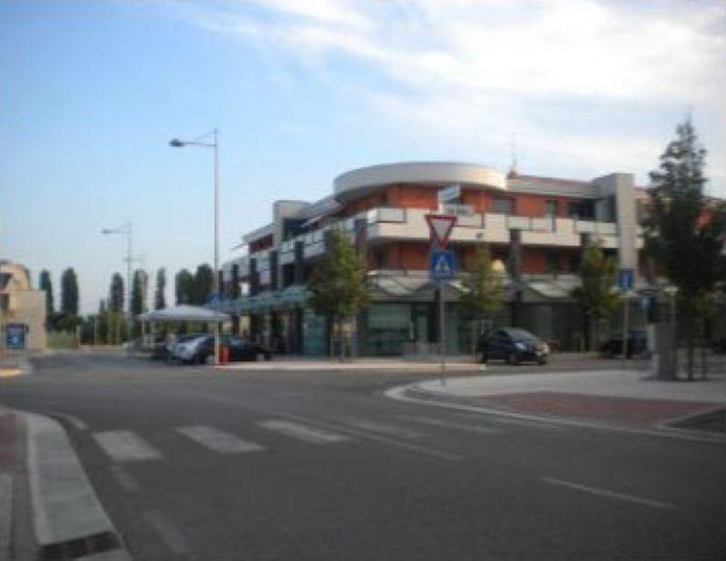 Negozio / Locale in vendita a Jesolo, 3 locali, prezzo € 290.000 | Cambio Casa.it