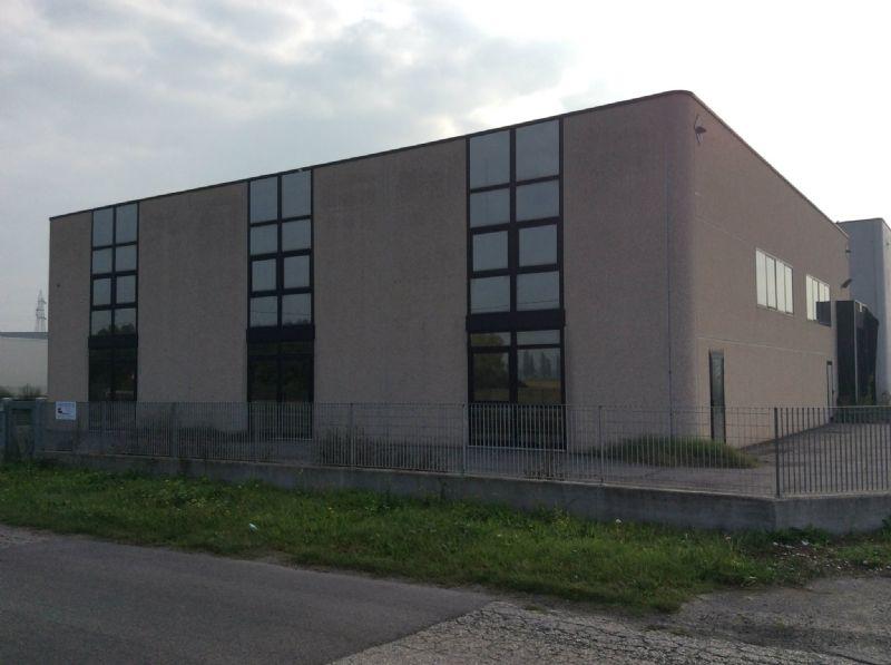 Capannone in vendita a Porto Viro, 11 locali, prezzo € 230.000 | Cambio Casa.it