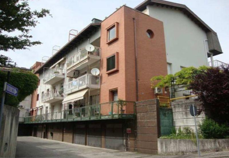 Ufficio / Studio in vendita a Manzano, 9 locali, prezzo € 66.000 | Cambio Casa.it