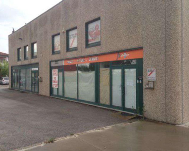 Magazzino in vendita a Eraclea, 5 locali, prezzo € 340.000 | Cambio Casa.it