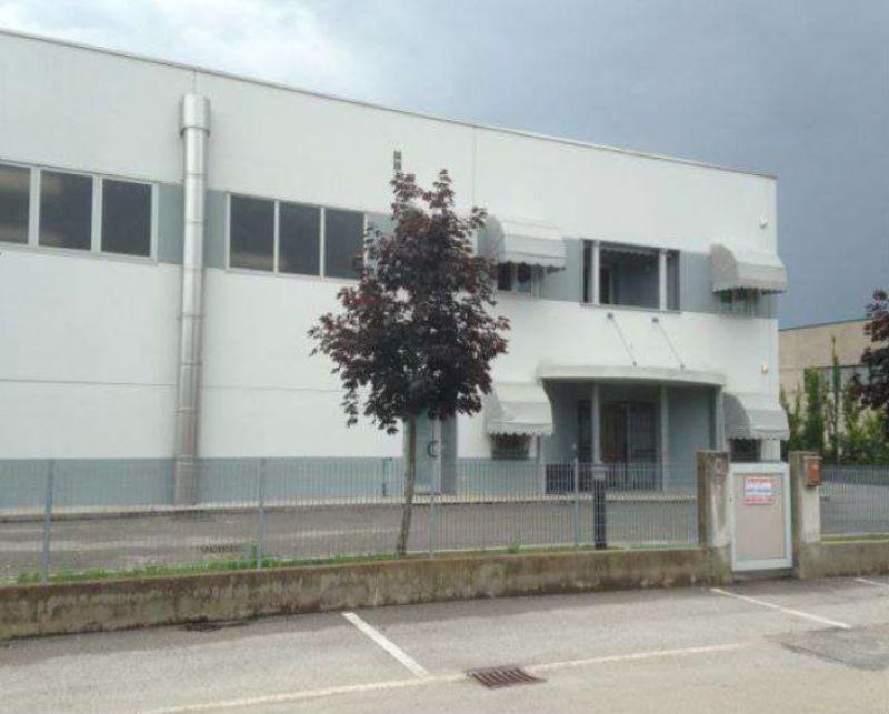 Capannone in vendita a Teglio Veneto, 5 locali, prezzo € 690.000 | Cambio Casa.it