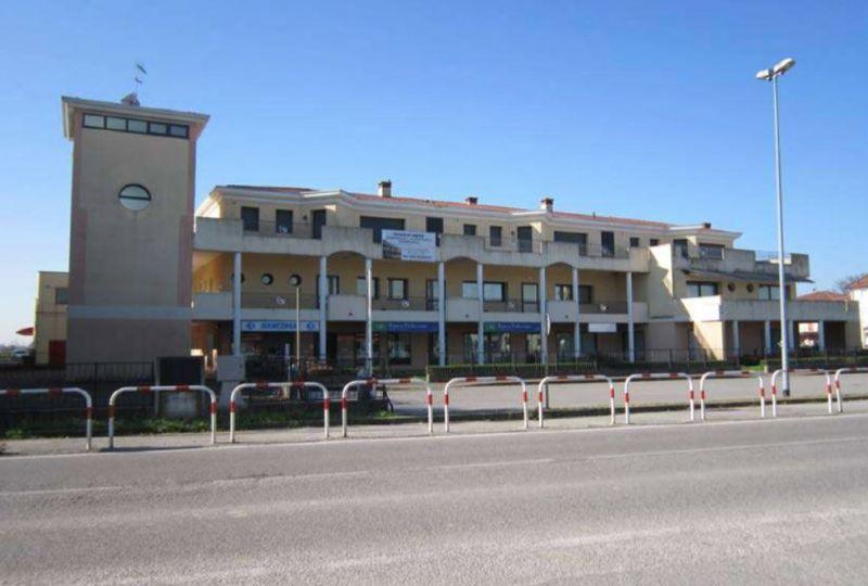 Negozio / Locale in vendita a Santa Giustina in Colle, 5 locali, prezzo € 1.550.000   Cambio Casa.it