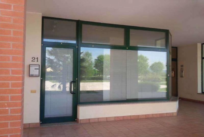 Negozio / Locale in vendita a Selvazzano Dentro, 3 locali, prezzo € 105.000 | Cambio Casa.it