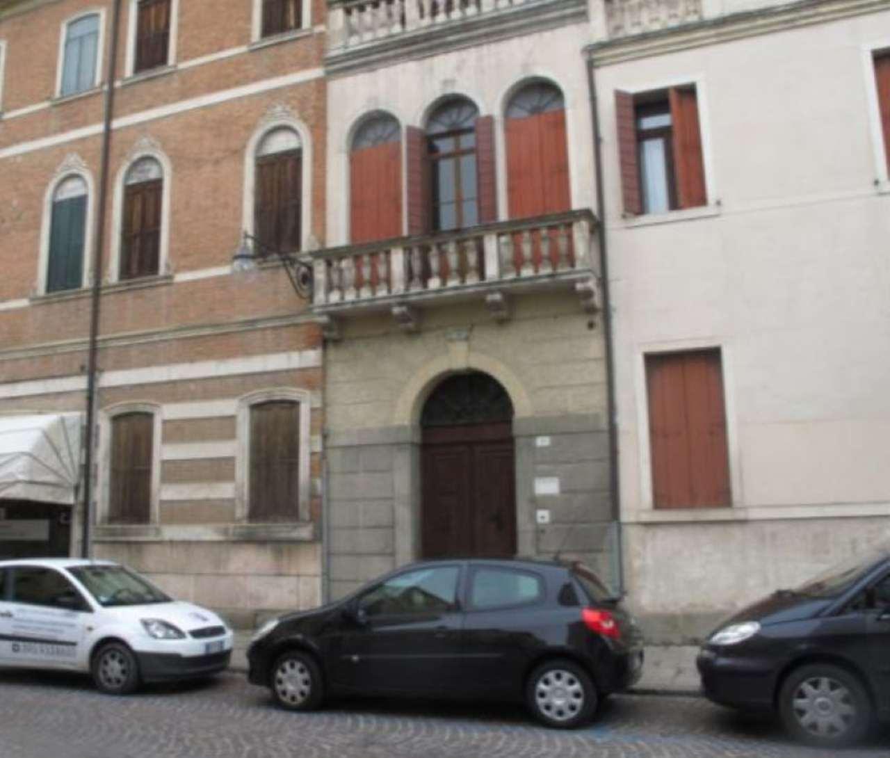 Ufficio / Studio in vendita a Este, 6 locali, prezzo € 220.000 | Cambio Casa.it