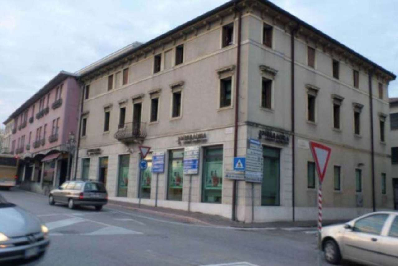 Ufficio / Studio in vendita a Pieve di Soligo, 5 locali, prezzo € 232.000 | Cambio Casa.it