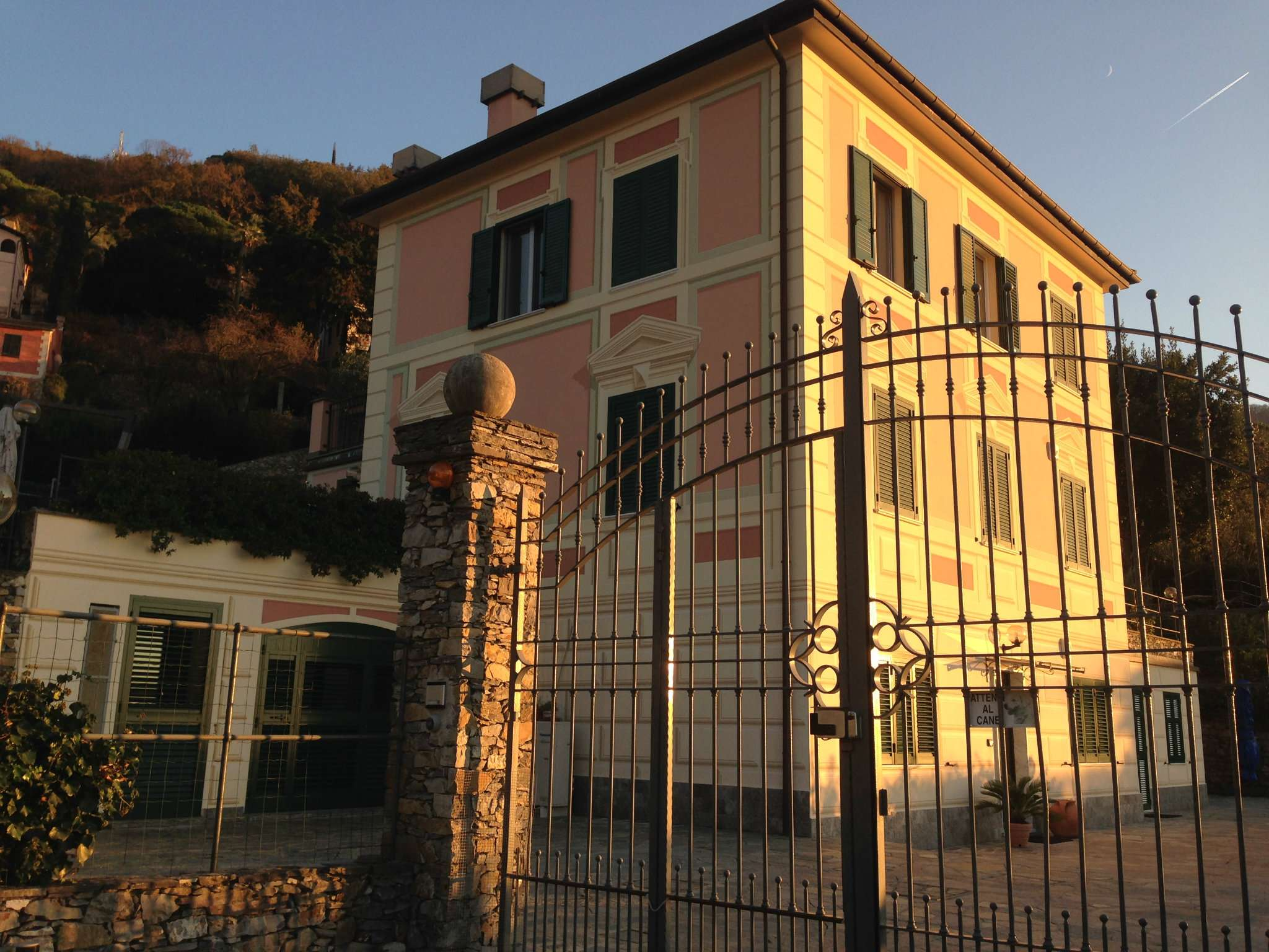 Villa in vendita a Camogli, 8 locali, prezzo € 1.400.000 | Cambio Casa.it