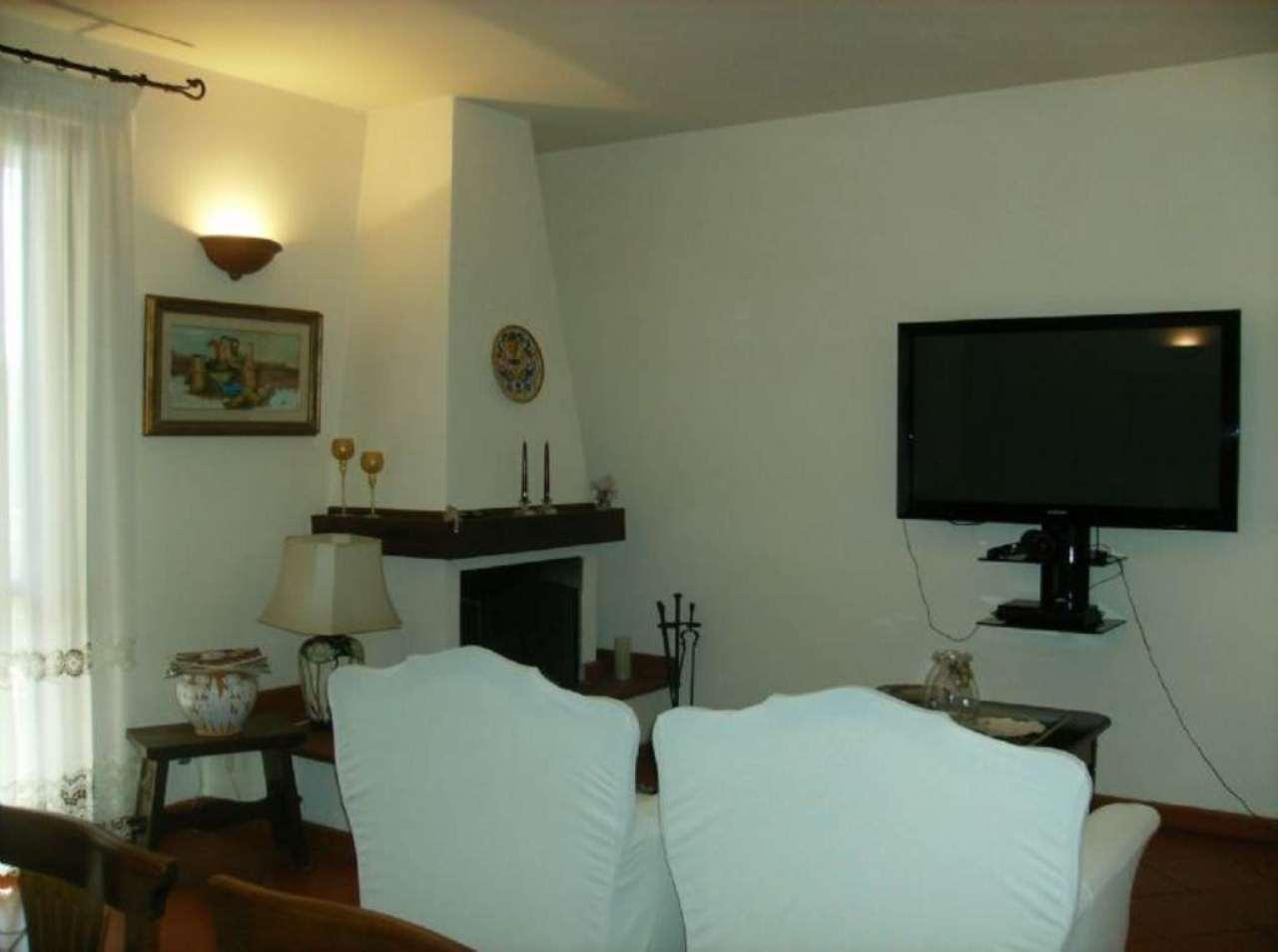 Palazzo / Stabile in vendita a Scandicci, 7 locali, prezzo € 390.000 | Cambio Casa.it
