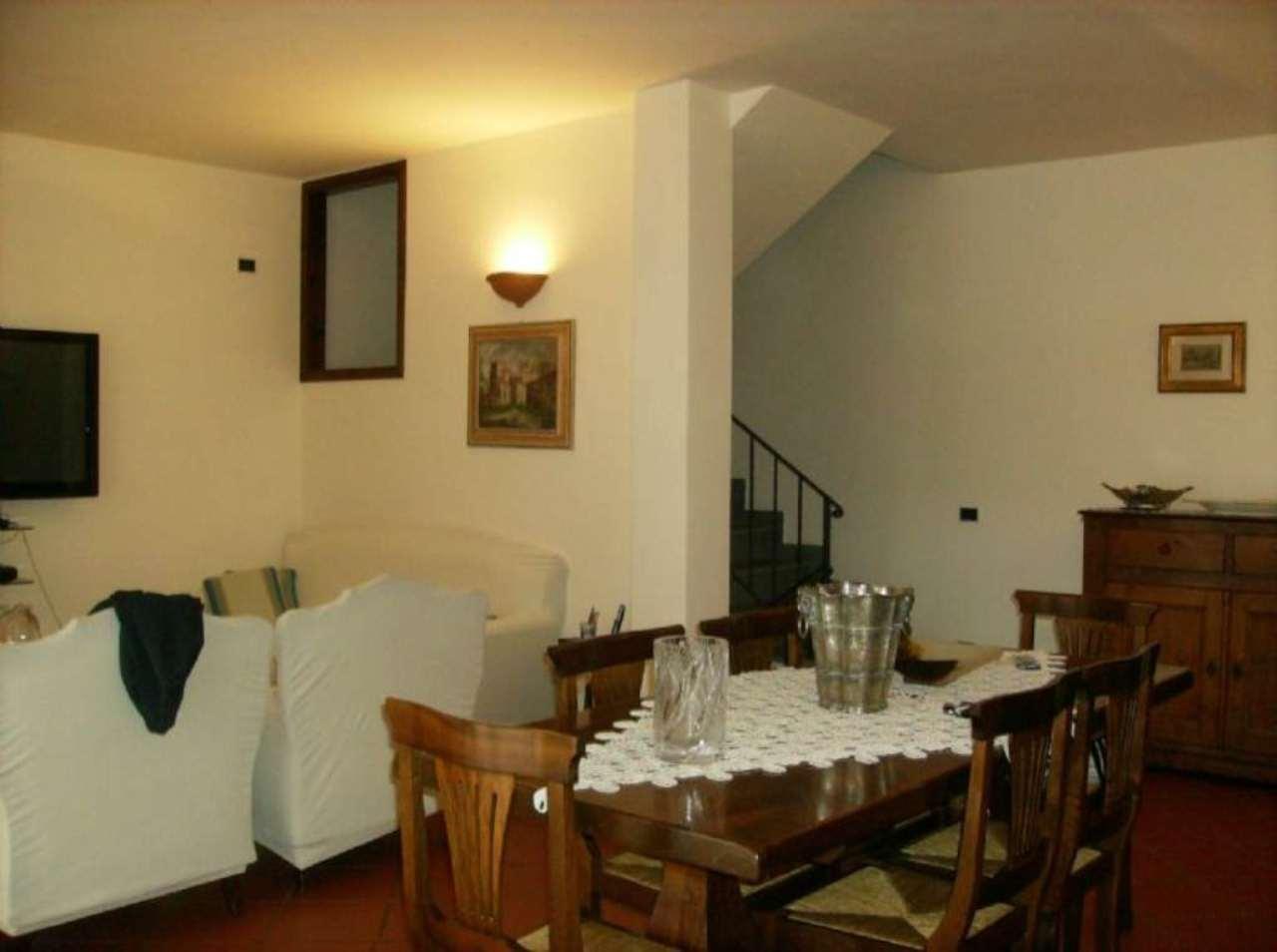 Palazzo / Stabile in vendita a Scandicci, 7 locali, prezzo € 365.000 | Cambio Casa.it
