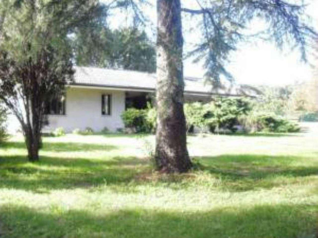 Villa in vendita a Ponzano Veneto, 12 locali, prezzo € 360.000 | Cambio Casa.it