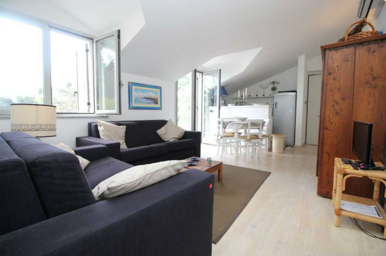 Immagine immobiliare alassio con terrazzo alassio, nella prima collina, nel complesso residenziale