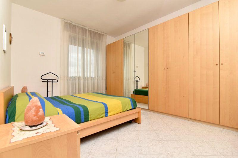 Appartamento in vendita a Carugate, 3 locali, prezzo € 160.000   Cambio Casa.it