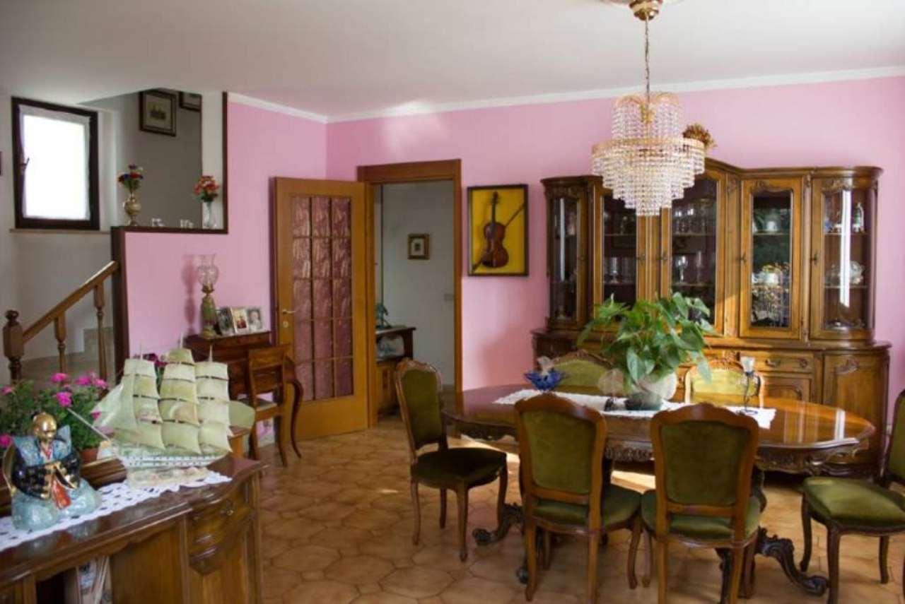 Villa in vendita a Camparada, 5 locali, prezzo € 350.000 | Cambio Casa.it
